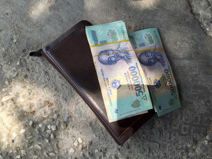 Mơ nhặt được ví tiền - SV88