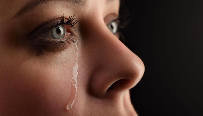 giải mã giấc mơ thấy khóc
